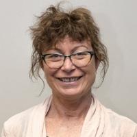 Head shot of Wendy Spencer